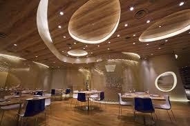sufit-podwieszany- restauracja